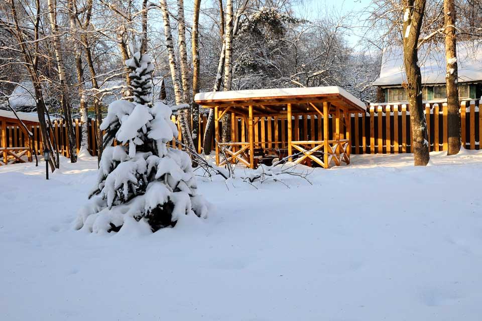 Клуб и ресторан «Дача Косенковых» в Перловке: как выглядит зимой.