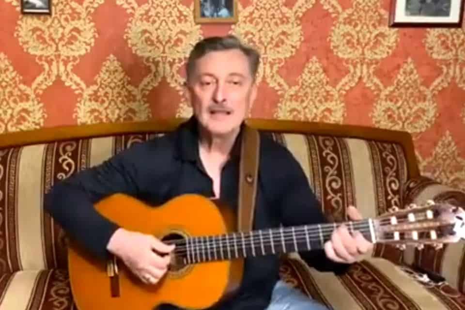 Песня учителя обществоведения в исполнении Александра Косенкова